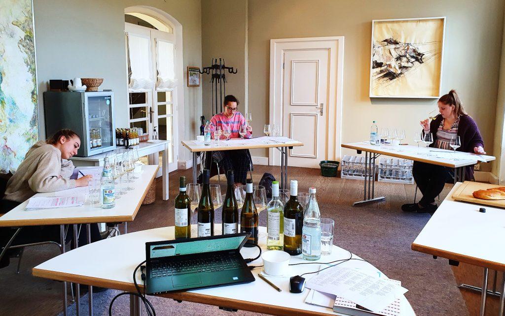 Ausbildung in Hotelfach und Gastronomie - Weinverkostung